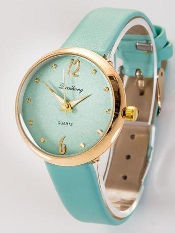 Delikatny miętowy zegarek damski