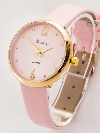 Delikatny rózowy zegarek damski