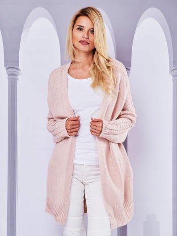 Długi sweter bez zapięcia z kieszeniami różowy