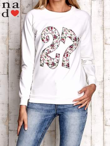 Ecru bluza z cyfrą 27