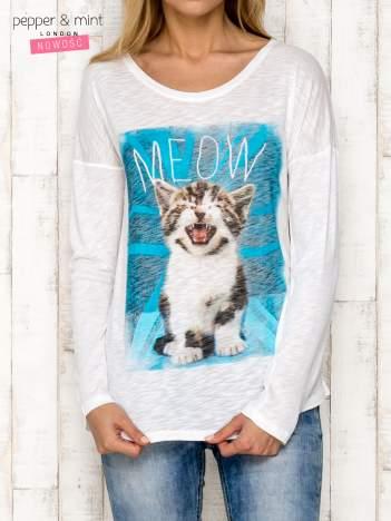 Ecru bluzka z kotem