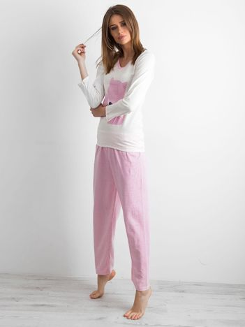 Ecru-różowa piżama damska w groszki
