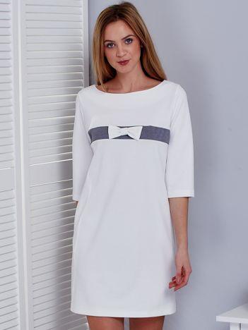 Ecru sukienka z kokardką