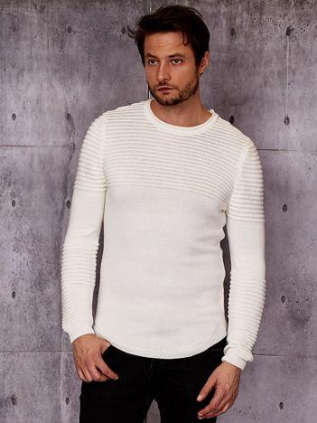 Ecru sweter męski w prążkowane moduły