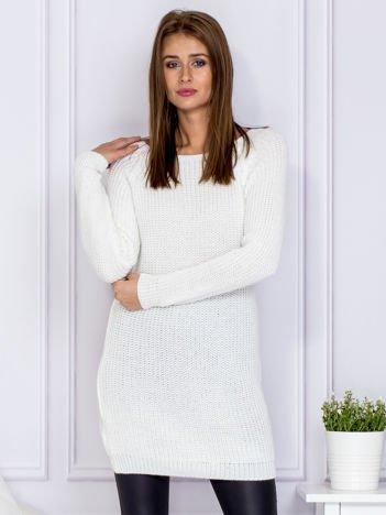 Ecru sweter z błyszczącą nitką