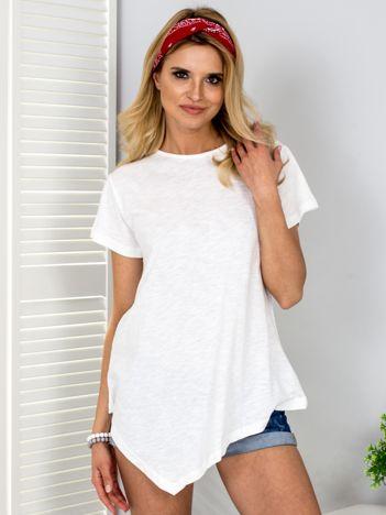 Ecru t-shirt z asymetrycznym przodem