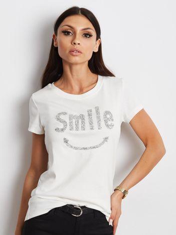 Ecru t-shirt z biżuteryjnym napisem