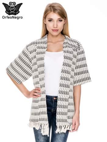 Ecru wzorzyste kimono z frędzlami