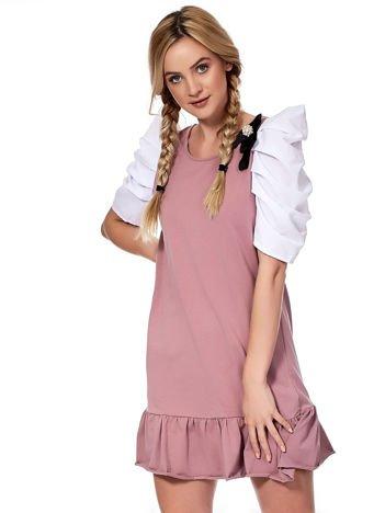 Fioletowa sukienka z drapowanymi rękawami