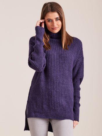 Fioletowy sweter golf w prążek