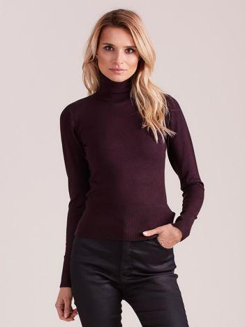 Fioletowy sweter ze ściągaczami i golfem