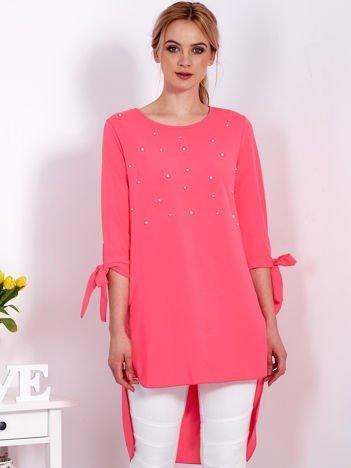 Fluo różowa tunika z perełkami i wiązanymi rękawami