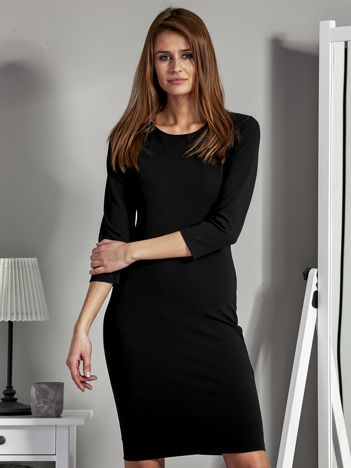 Gładka sukienka tuba czarna