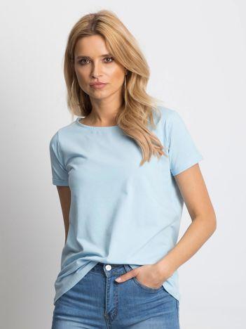 Gładki niebieski t-shirt z podwijanymi rękawami