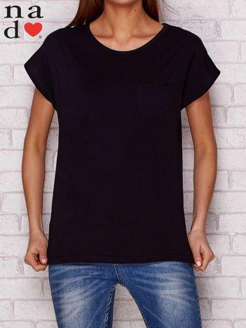 Gładki t-shirt z kieszonką czarny