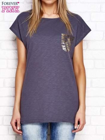 Grafitowy t-shirt ze złotym nadrukiem