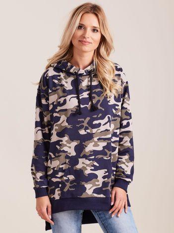Granatowa asymetryczna bluza moro z kapturem