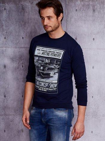 Granatowa bluza męska z nadrukiem auta