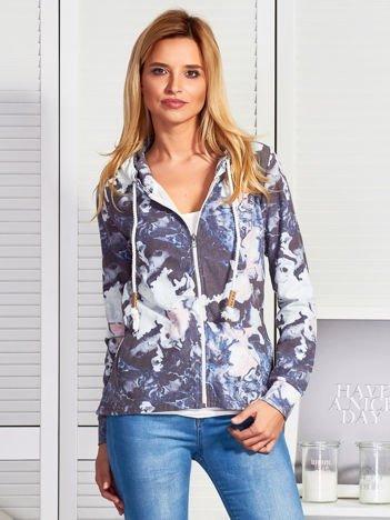 Granatowa bluza w malarskie desenie