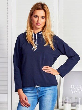 Granatowa bluza z troczkami