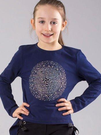 Granatowa bluzka dziewczęca z błyszczącą aplikacją