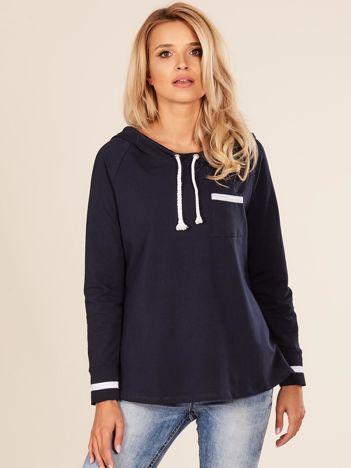 Granatowa damska bluza z kapturem