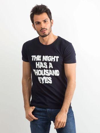 Granatowa męska koszulka z napisem