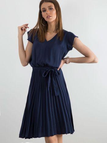 Granatowa sukienka damska z wiązaniem