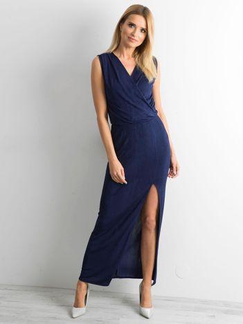 Granatowa sukienka maxi z rozcięciem