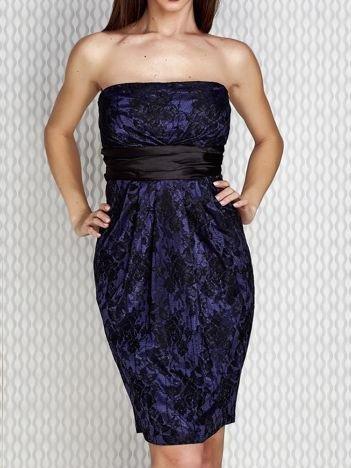 Granatowa sukienka wieczorowa z koronką i wiązaniem