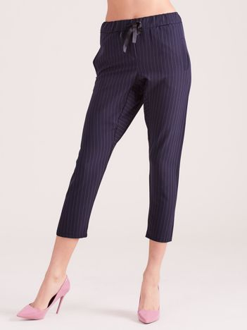 Granatowe eleganckie spodnie 7/8 w prążki