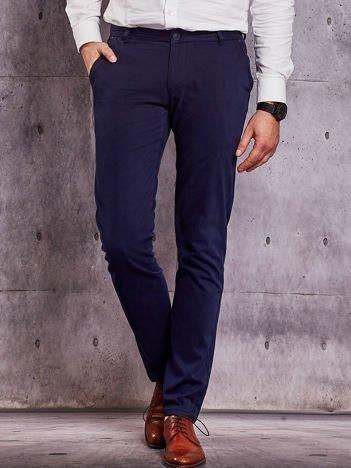 Granatowe materiałowe spodnie męskie chinosy