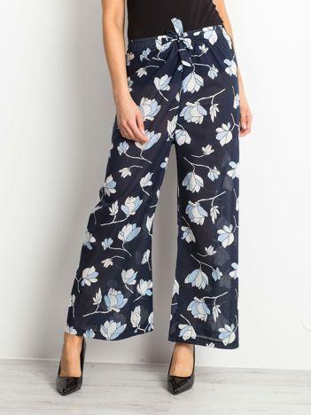 Granatowe spodnie Flowers