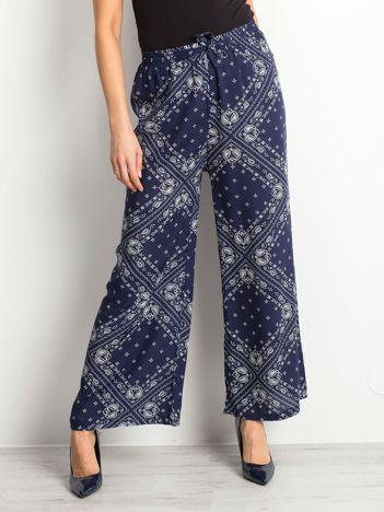Granatowe spodnie Paisley