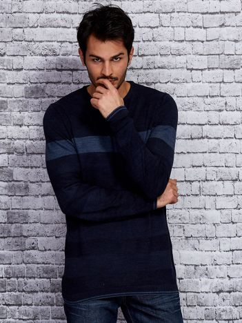 Granatowy sweter męski z kontrastową wstawką