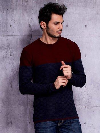 Granatowy sweter męski z plecionym modułem