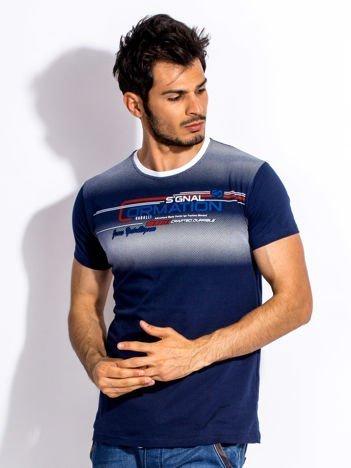 Granatowy t-shirt męski z geometrycznym nadrukiem