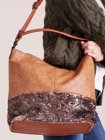 Jasnobrązowa torba z cekinami