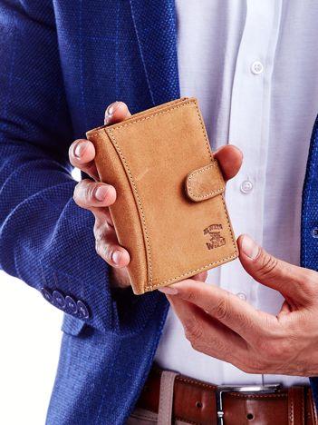 Jasnobrązowy portfel dla mężczyzny z przeszyciem