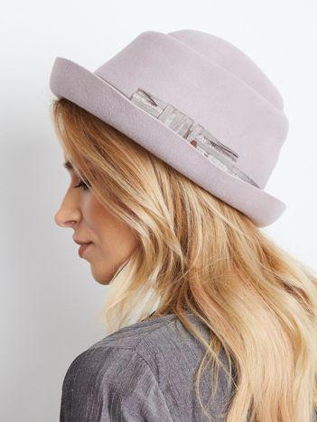 Jasnofioletowy kapelusz damski