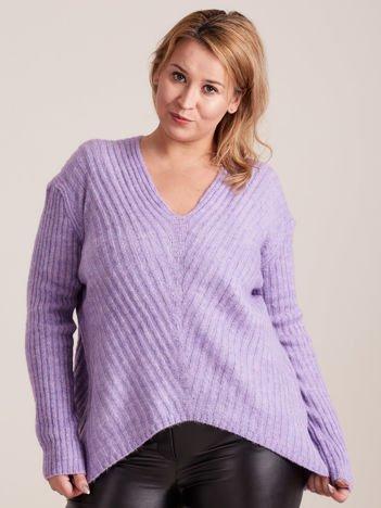 Jasnofioletowy sweter w serek PLUS SIZE