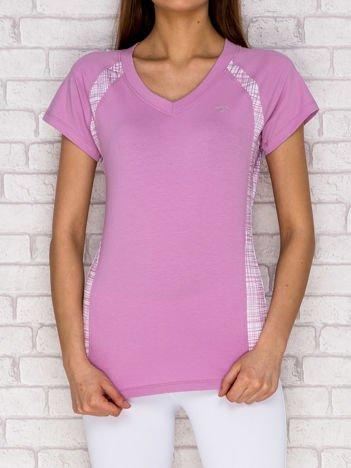 Jasnofioletowy t-shirt z graficznymi wstawkami