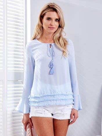 Jasnoniebieska bluzka z wiązaniem i perełkami