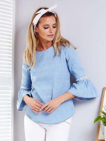 Jasnoniebieska jeansowa bluzka z szerokimi rękawami