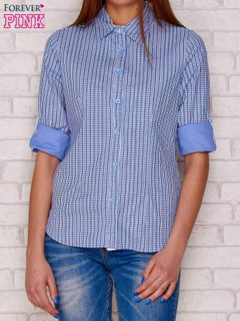 Jasnoniebieska koszula w drobny pionowy wzór