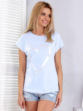 Jasnoniebieski t-shirt z srebrnym sercem