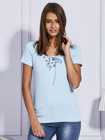 Jasnoniebieski t-shirt z wiązaniem