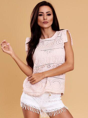 Jasnoróżowa bluzka w ażurowe wzory