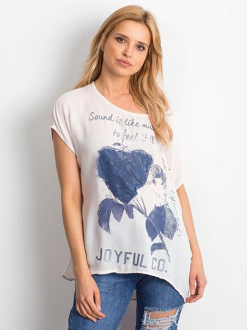 Jasnoróżowa bluzka z motywem kwiatowym i napisem