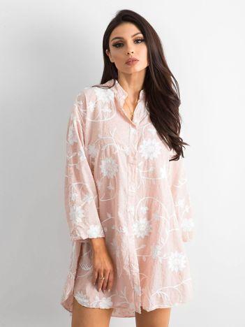 Jasnoróżowa haftowana sukienka